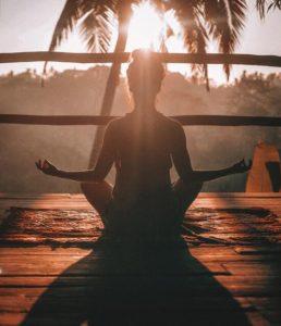 瞑想の効果はすごい!瞑想がもたらす恩恵についてわかりやすく解説